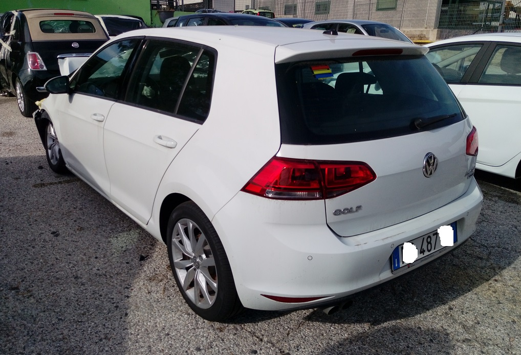 Volkswagen Golf 2.0 TDI Highline BlueMotion Tech 150cv serie 7 anno 05-2016