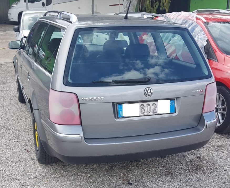 Volkswagen Passat 1.9 tdi 130cv anno 02-2003