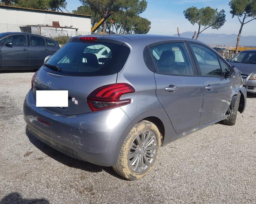 Peugeot 208 1.2 benzina 83cv anno 06-2019
